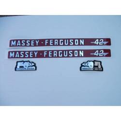 Autocolant massey ferguson 42